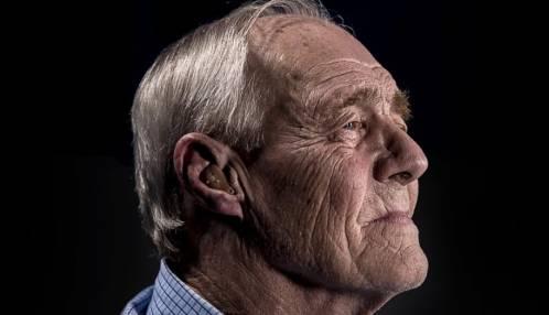 Effect van leeftijd en gehoorverlies op spraak