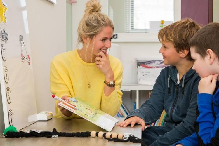 Kinderen met TOS hebben waarschijnlijk meer expliciet taalaanbod nodig, omdat zij moeite hebben met statistisch leren