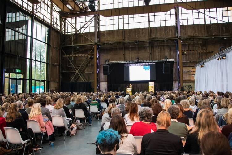 TaalStaal 2017 vond plaats in de Werkspoorkathedraal te Utrecht